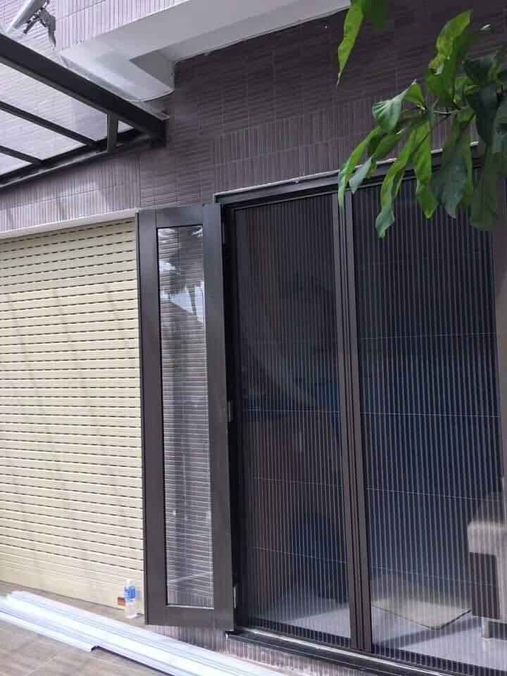 Lắp đặt cửa lưới chống muỗi
